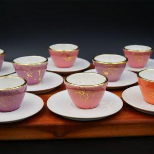 Espressotassen mit Goldelementen